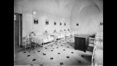 Hôpitaux de Paris : de l'asile de pauvres au soin des malades